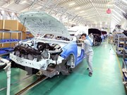 Empresas vietnamitas y chinas cooperan en producción de piezas de vehículos pesados