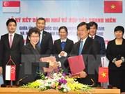 Intensifican cooperación organizaciones juveniles de Vietnam y Singapur