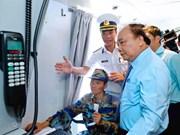 Premier vietnamita supervisa disponibilidad combativa de fuerzas navales