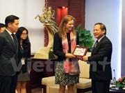 Vietnam exhorta a cooperación de Facebook en prevención de informaciones falsas