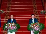 Vietnam y Laos decididos a promover relaciones de amistad y solidaridad