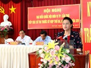 Presidenta de Parlamento vietnamita responde a preguntas de electores