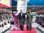 Premier vietnamita llega a Filipinas para XXX Cumbre de ASEAN