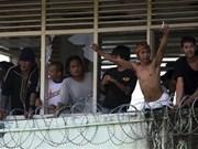 Centenares de prisioneros se escaparon de prisión en Indonesia