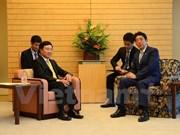 Vicepremier vietnamita dialoga con líderes de Japón