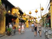 Hoi An honra a turista extranjero número 10 millones en 2017