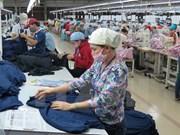 Vietnam e India intensifican cooperación en sector de confecciones textiles