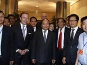 Premier vietnamita recaba apoyo empresarial en confección de políticas económicas