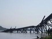Explosión de bomba derrumbe un puente en el norte de Myanmar