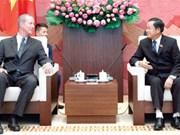 Dirigente vietnamita confía en mayor cooperación en defensa con EE.UU.