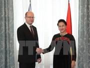 Prensa checa resalta perspectivas de cooperación con Vietnam