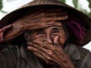 Obra fotográfica sobre anciana vietnamita fue vendida por alto precio