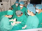 Niños de provincia vietnamita se benefician de tratamientos médicos gratuitos
