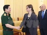 Ministro de Defensa de Vietnam recibe a embajadora israelí