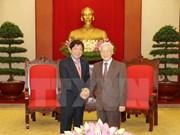 Vietnam fortalece nexos con partido gobernante de Singapur