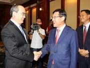 Samsung ayuda a empresas vietnamitas a participar en cadena de suministro global