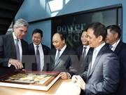 Premier de Vietnam se reúne con alcalde de Berlín