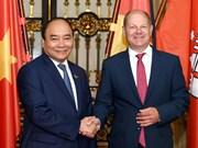 Premier de Vietnam respalda cooperación con Hamburgo en desarrollo de puertos marítimos