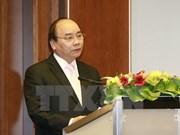 Premier Xuan Phuc llama a asistencia alemana para desarrollo sostenible de Vietnam
