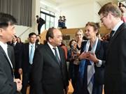 Premier vietnamita visita Universidad de Wageningen en Países Bajos