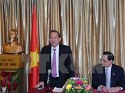 Vicepremier aprecia contribución de comunidad vietnamita en Singapur al desarrollo nacional