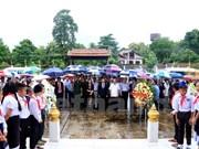 Vietnamitas en Laos rinden homenaje a héroes y mártires