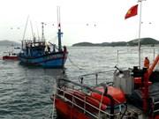 Vietnam: Trasladan a tierra a marinero enfermo cuando laboraba en el mar