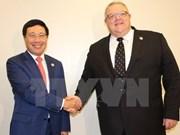 Vietnam fortalece lazos internacionales en actividades al margen de AMM- 50