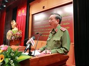 Sesiona en Hanoi seminario sobre tareas de defensa y desarrollo socioeconómico