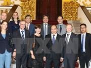 Vietnam da bienvenida a inversores europeos, dice premier