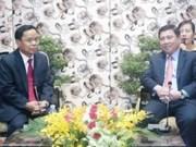 Ciudad Ho Chi Minh desea profundizar nexos con localidades laosianas