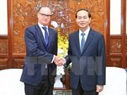 Recibe presidente vietnamita a embajadores salientes de Eslovaquia y Austria