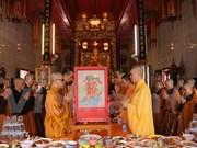 Efectúan en Tailandia fiesta budista Vu Lan para expresar la gratitud filial