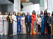 Destacan en Sudcorea belleza del traje tradicional vietnamita Ao dai