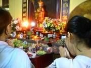 Provincia vietnamita entrega regalos a personas pobres en ocasión de ceremonia Vu Lan