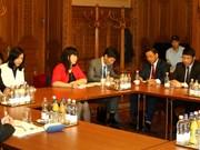 Partido Comunista de Vietnam y Partido Socialista de Hungría fortalecen nexos