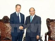 Premier vietnamita dialoga con presidente de grupo Warburg Pincus