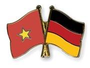 Dirigentes de Vietnam felicitan a Alemania por su Día Nacional
