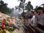 Profesores vietnamitas residentes en Tailandia visita tumba de General Vo Nguyen Giap