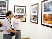 Exposición artística resalta belleza de Hanoi
