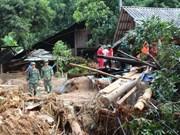 Vicepresidenta del parlamento vietnamita visita zonas afectadas por inundaciones en Hoa Binh