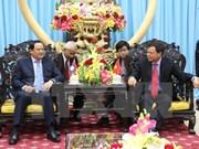 Vicepremier laosiano continúa visita en Vietnam