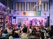 Festival indio Diwali ilumina Hanoi