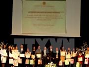 Honran a estudiantes vietnamitas destacados en República Checa