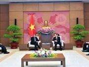 Vicepresidente del Parlamento de Vietnam recibe a vicepresidente de Exxon Mobil