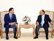 Premier vietnamita recibe a presidente de grupo sudcoreano SK