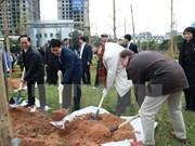 Hanoi planta 100 árboles para conmemorar centenario del Día de la independencia de Finlandia