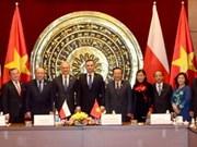 Vietnam y Polonia forjan cooperación de parlamentarios de amistad