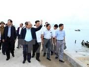 Premier vietnamita revisa tareas de mitigar secuelas del tifón Damrey en provincia central