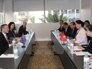 Presidenta del Parlamento vietnamita invita a inversión australiana en minería y construcción naval